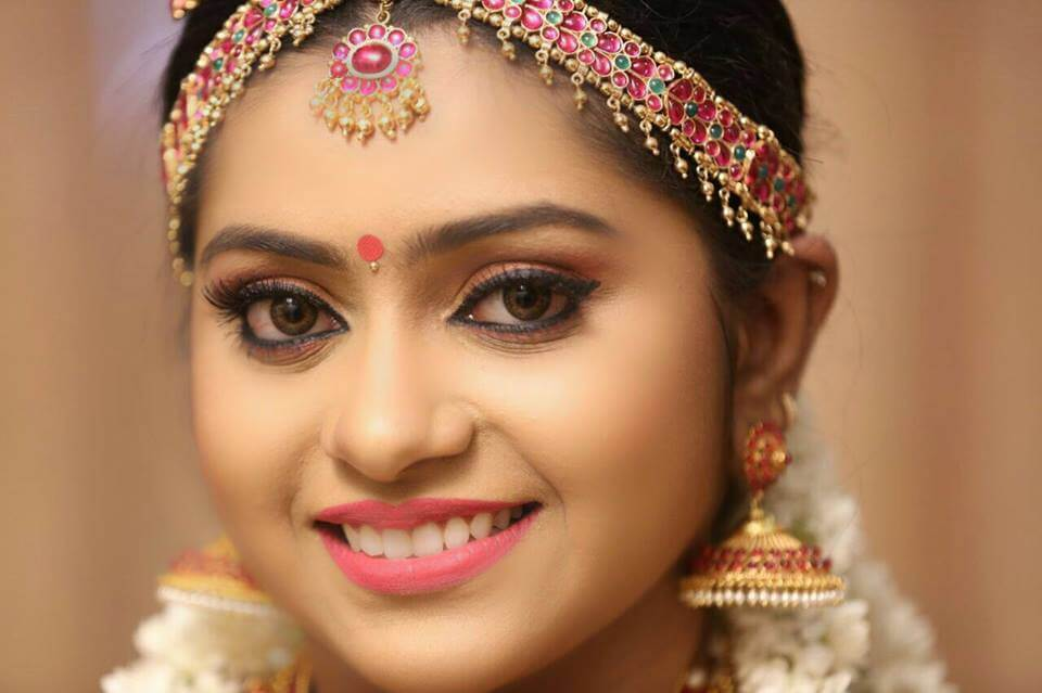 12 Best Indian Bridal Makeup Artists