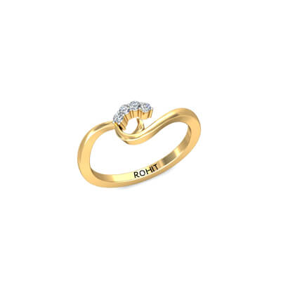Traditional indian diamond ring in yellow gold