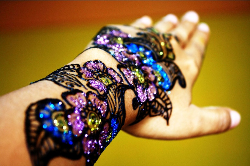 ayisha mehandi designer