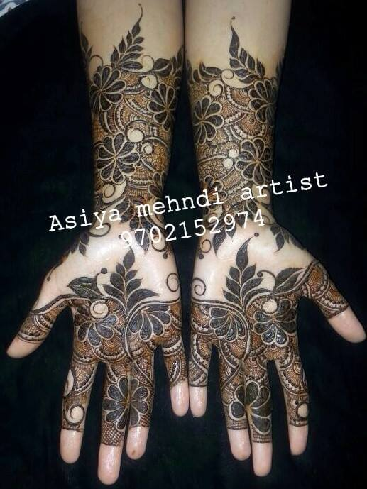 Aasiyah Mehandi Artist mumabi