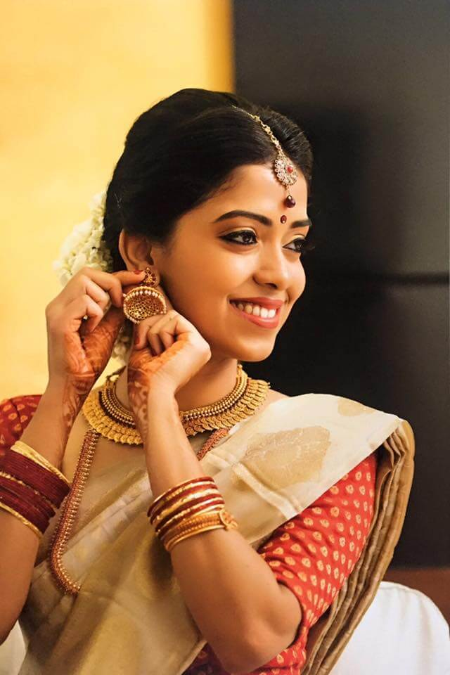 Manjusha bajaj- Professional airbrush makeup artist bangalore