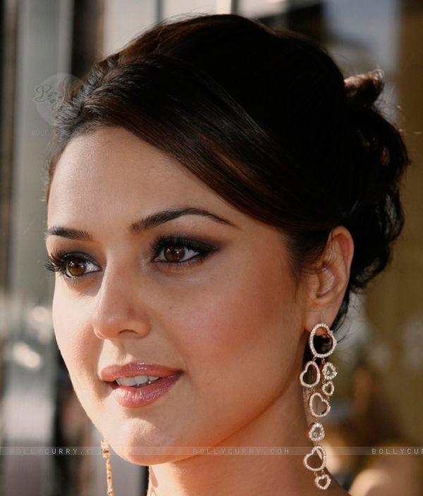 Preity Zinta's Gorgeous Earrings