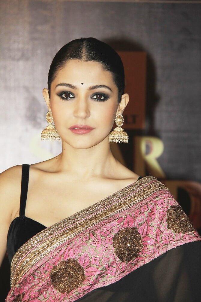e4v2v1nfdmvpgpha.D.0.Anushka-Sharma-at-the-Renault-Star-Guild-Awards-2013-in-Mumbai--4-