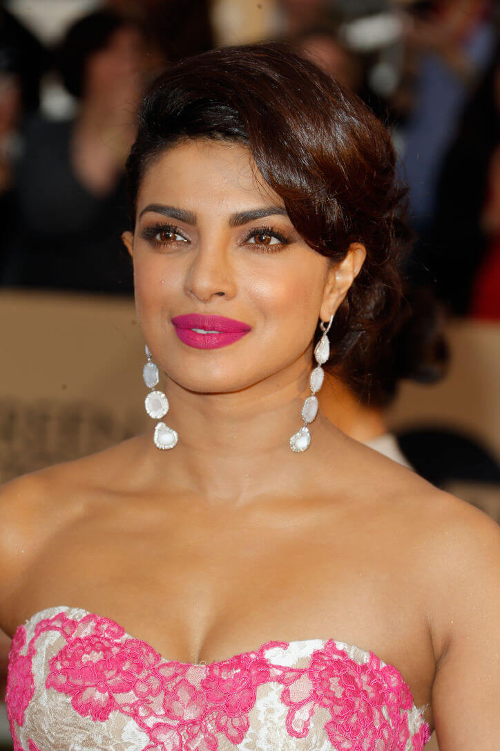 priyanka-chopra-sag-awards-w724