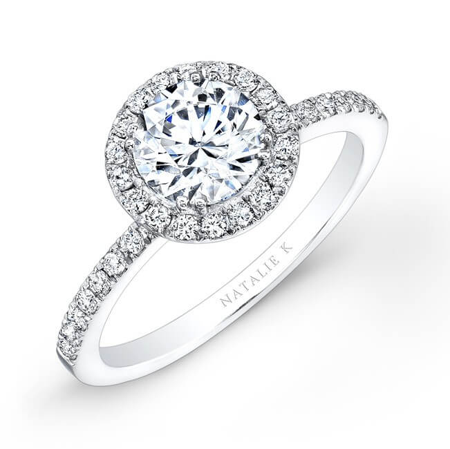 Halo setting diamond gold ring