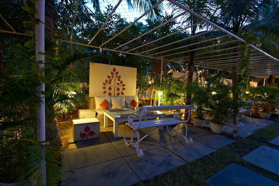Top 10 Restaurants In Chennai For Your First Wedding Anniversary Date