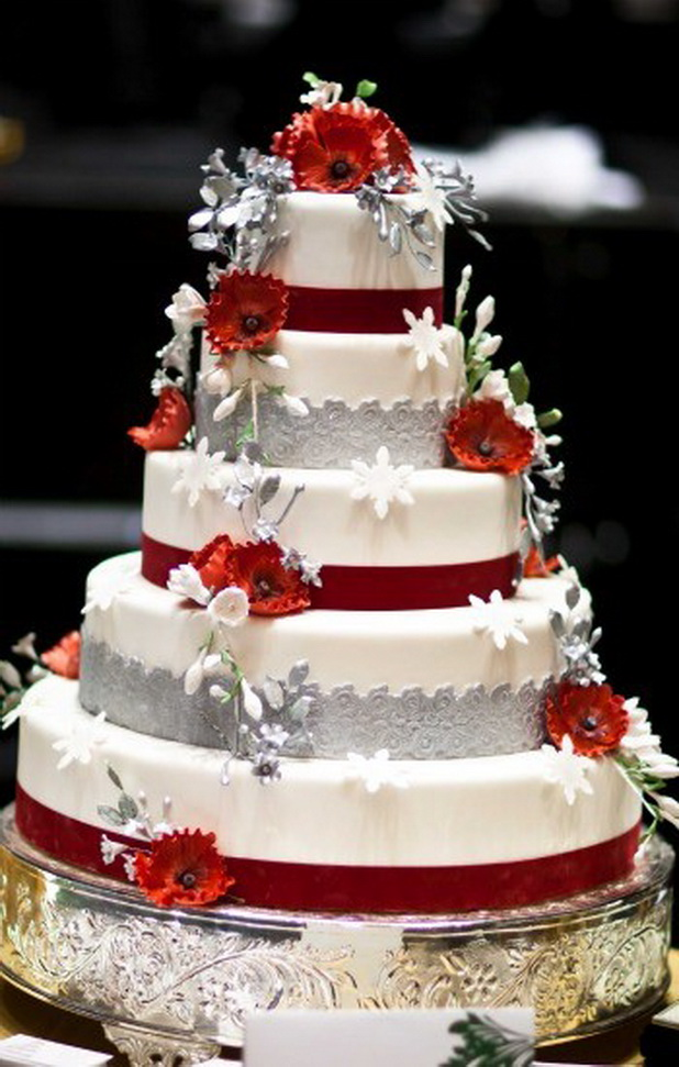 red and white wedding cake decorations top five wedding essentials that you should shop 19098