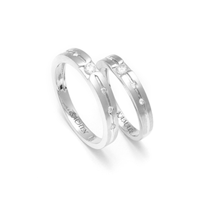 Platinum Wedding Rings.Complimentary Platinum Couple Rings With Name