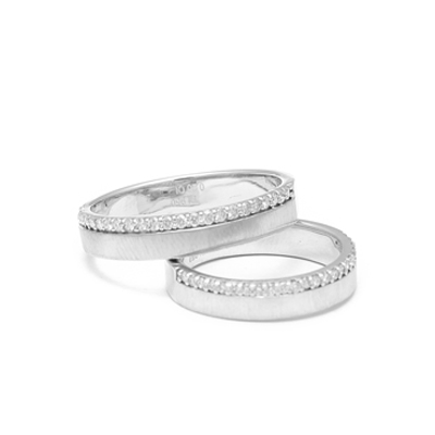 Personalized20Curvy20Platinum20Couple20Rings20With20Diamonds2.jpg