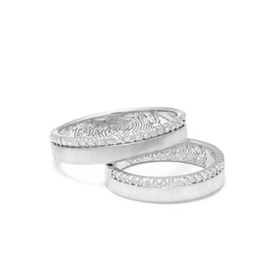 Personalized20Curvy20Platinum20Couple20Rings20With20Diamonds4.jpg