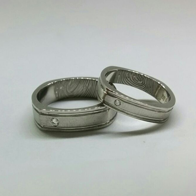 Single Stone Couple Platinum Ring (1)