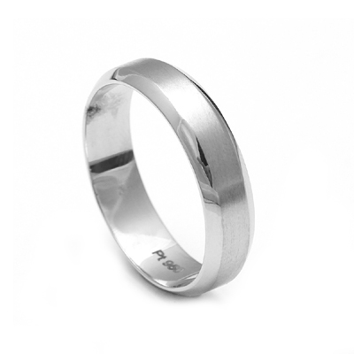Men20Name20Engraved20Platinum20Ring201.jpg