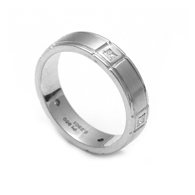 Men Solitaire Ring In Platinum