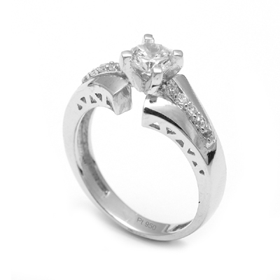 Unique Platinum Diamond Rings For Women (1)
