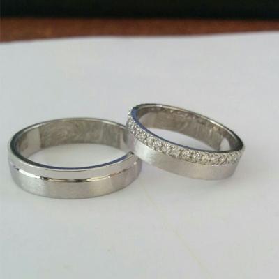 Matte-Finish-Platinum-Diamond-Pair-Ring(2)