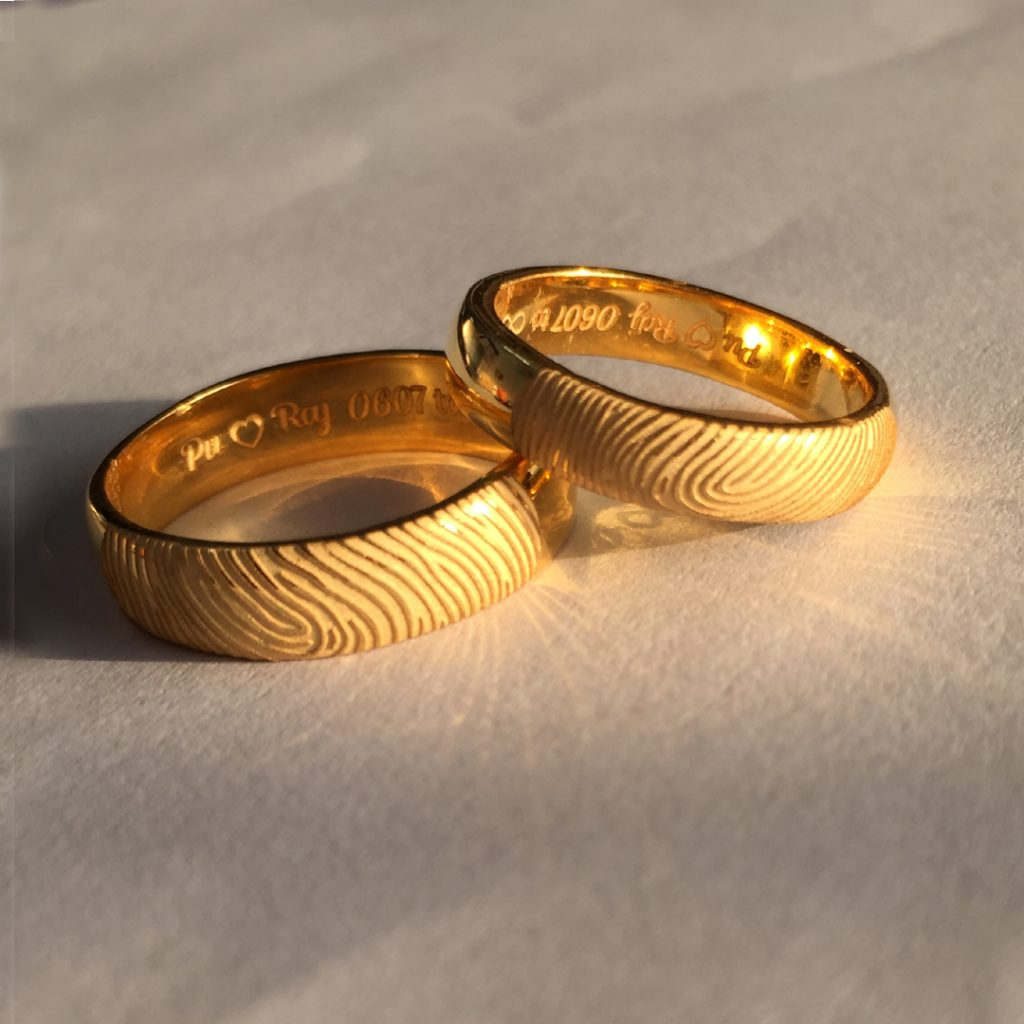 Fingerprint Engraved Gold Wedding Rings