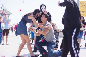 Flash-Mob-Proposal-on-the-Pier-9