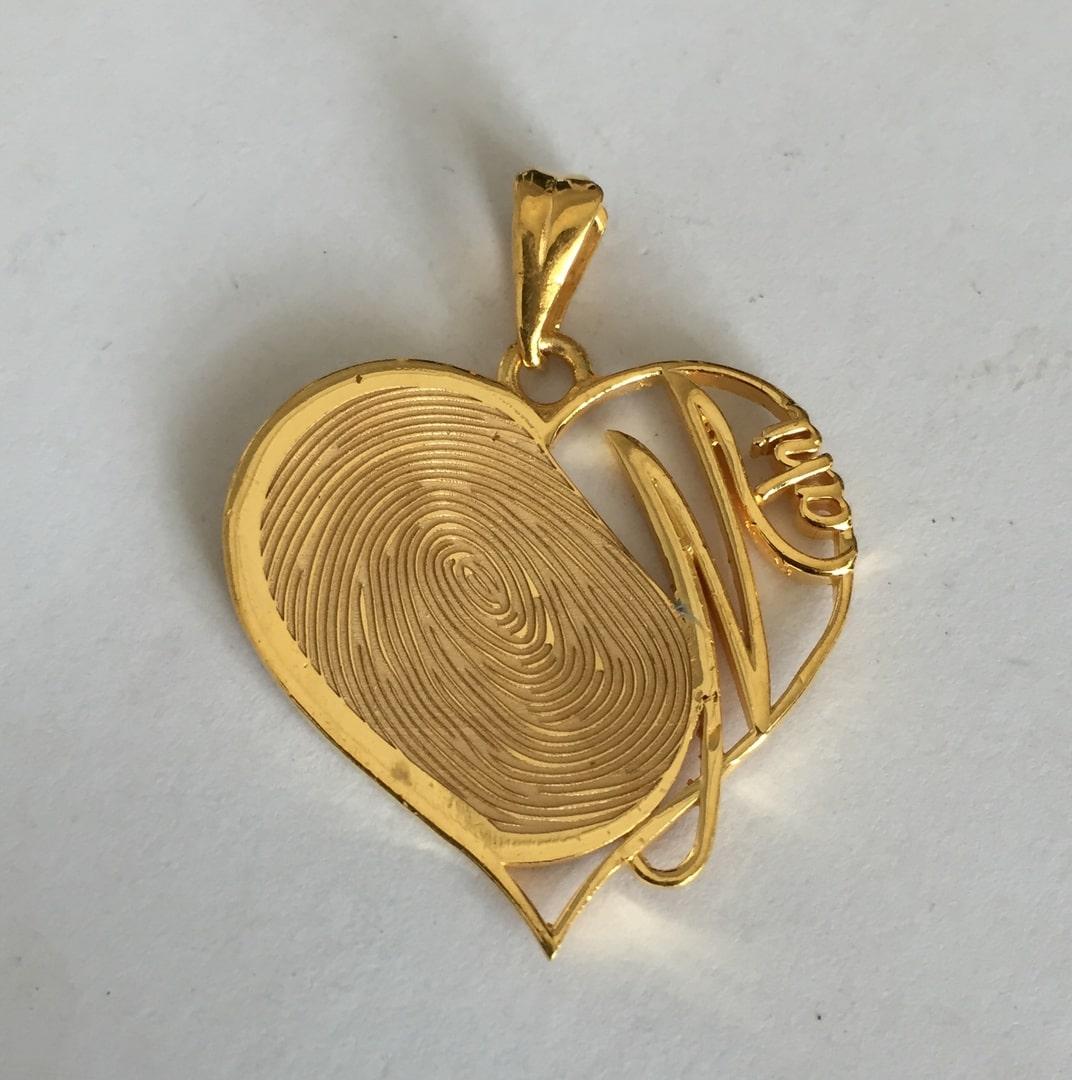 Fancy-FingerPrint-Engraved-Heart-Gold-Pendant1.jpg