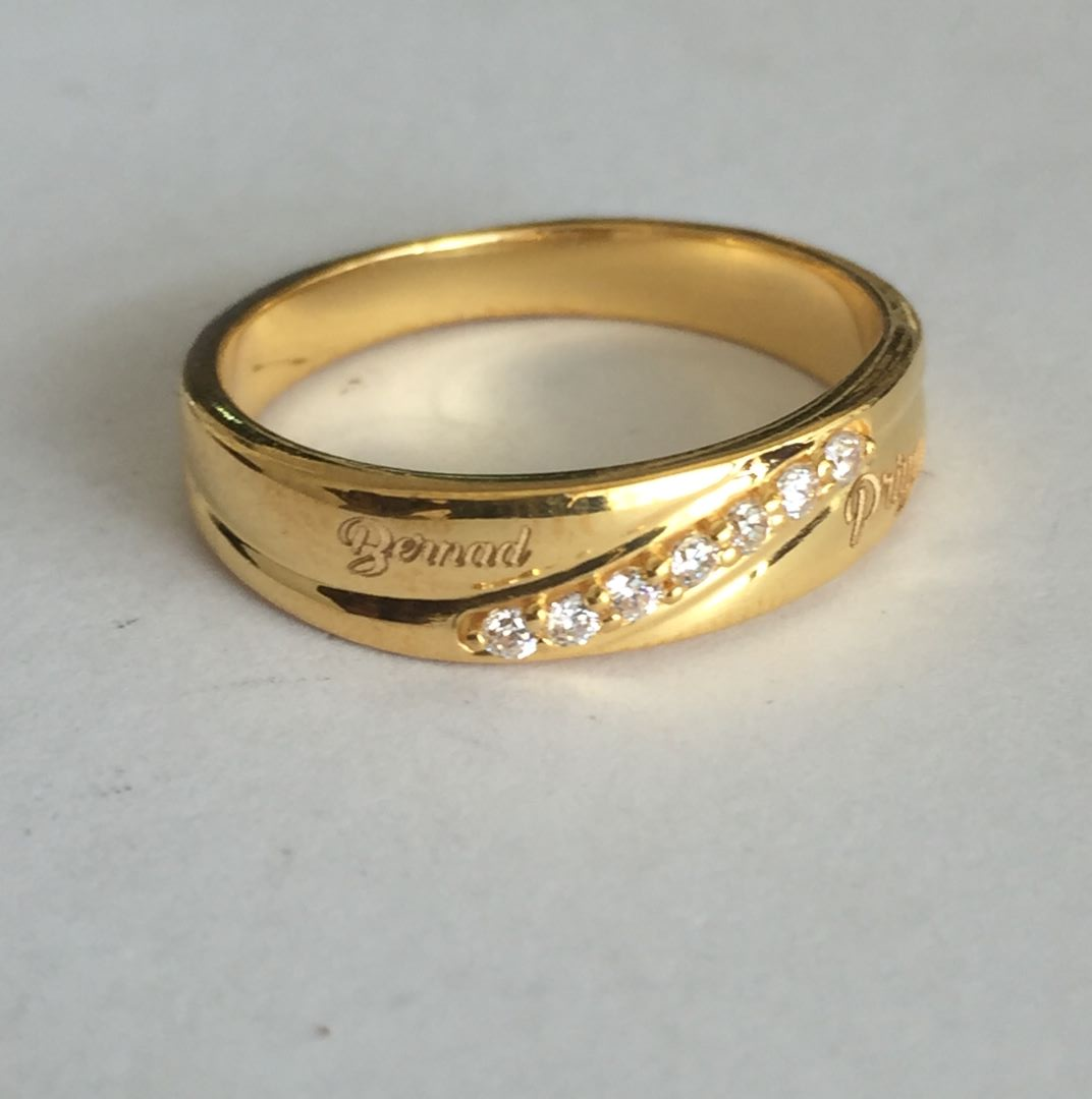 Happy Memories Gold Couple Rings1.jpg