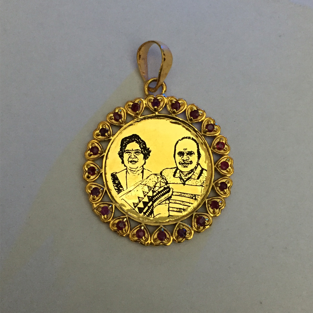 You-And-me-Gold-Photo-Pendant1